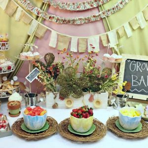 Garden Baby Shower: Madeline's Growing Belly-Mimi's Dollhouse