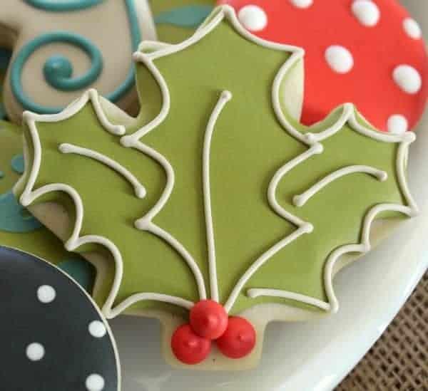 Holly-Leaf-Cookie