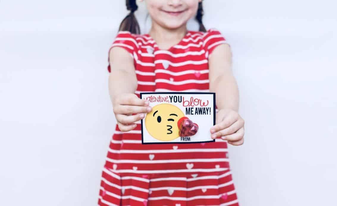 Emoji Valentines: Free Printable Valentine\'s Day Cards | Mimi\'s ...